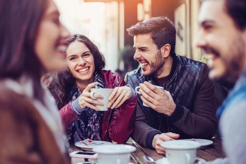 Αποτέλεσμα εικόνας για coffee shop with people